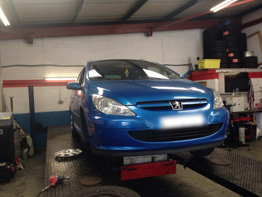unlucky peugeot owner has his 307 s steering repaired and. Black Bedroom Furniture Sets. Home Design Ideas