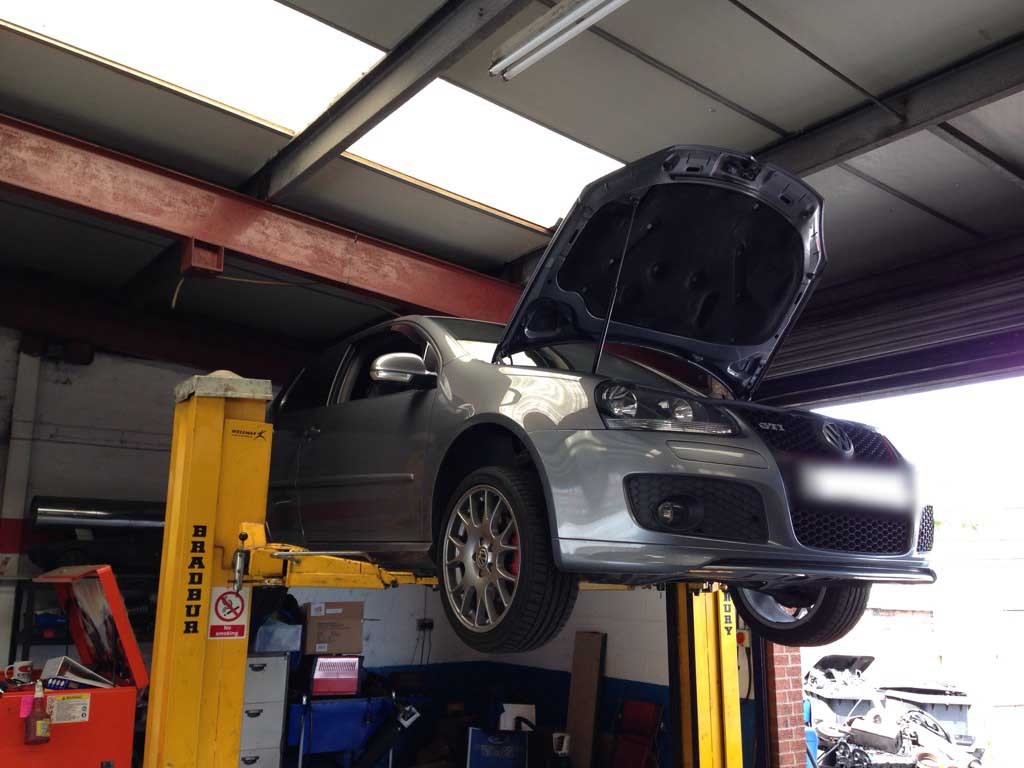 Vw golf gti upgrades milltek performance exhaust and poly bush kitaarons autos aarons autos - Garage volkswagen creteil ...